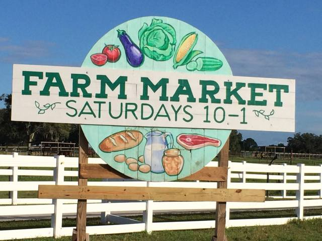 farm-market-sign